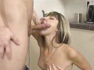 Petite Teen GF Bangs Her Boyfriend In The Kitchen