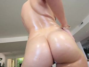Beauty With A Big Ass Loves To Fuck And Please